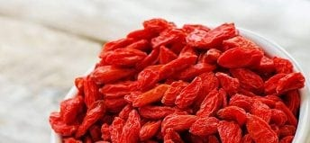 goji-berries-wine-feature